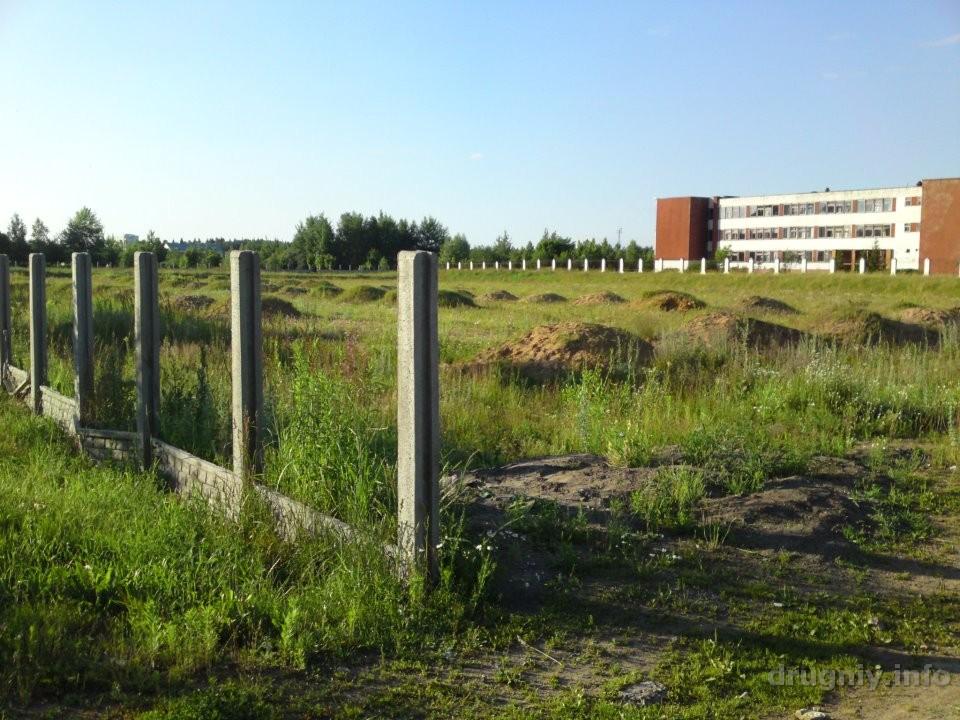 Стадион в посёлке Дружный